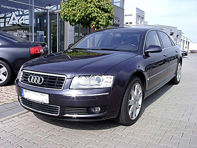 Audi_A8_2002_front