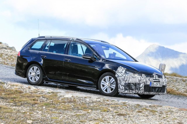 vw-golf-r-station-wagon-6